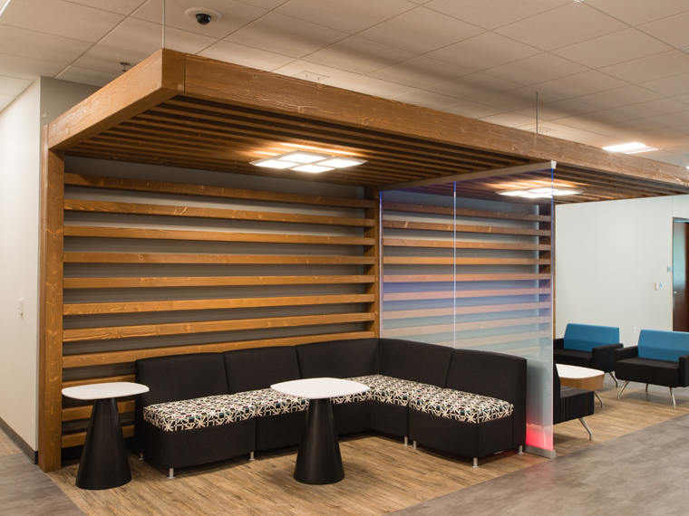 GM Revamps their Financial Service Center with DIRTT